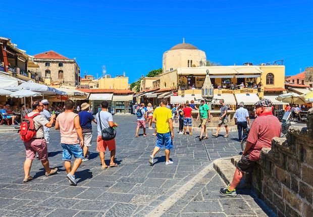 Grecja stawia turystom nowy warunek. Muszą posiadać specjalny kod