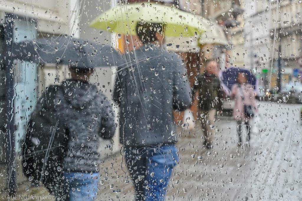 Deszczowa pogoda (zdjęcie ilustracyjne)