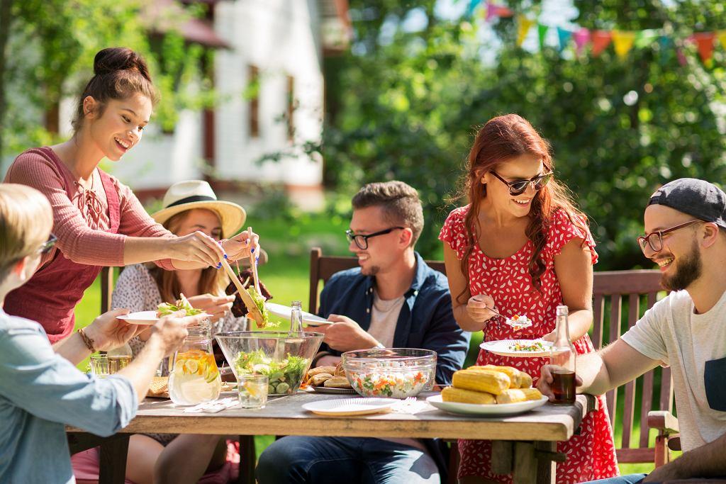 Impreza owocowy sad na działce lub w ogrodzie