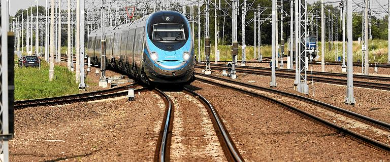 Skradziono 300 metrów trakcji kolejowej. Trzeba było ewakuować pasażerów