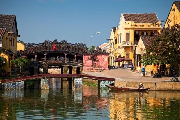 Mostek japoński w Hoi An, zdaniem wielu turystów - najładniejszym mieście w Wietnamie.