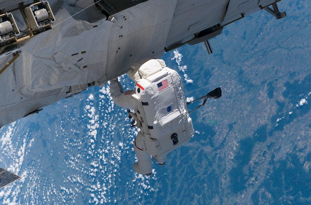 Na zdjęciu amerykański astronauta Joseph R. Tanner