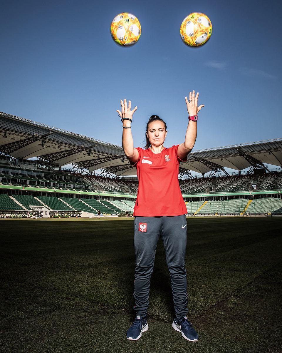 Nina Patalon, trenerka piłki nożnej: Często spotykam się z tym, że dziewczyny są obrażane, na przykład podczas meczu: 'Rusz ten tyłek!', 'Jak cię kopnę, zaczniesz biegać!'.