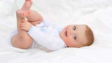 Rozwój dziecka w ciągu pierwszego roku życia. Zdjęcie ilustracyjne