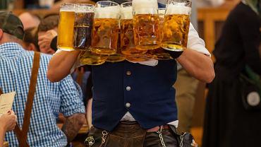 Ile kufli próbowano ukraść podczas Oktoberfest? Organizatorzy opublikowali dane.