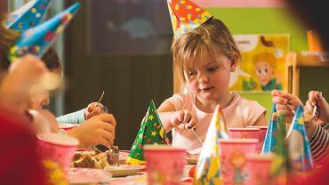 Jak urządzić niezapomniane przyjęcie urodzinowe dla dziecka w domu?