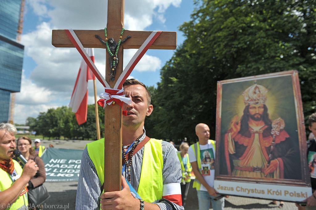 Marsz antyszczepionkowców w Katowicach