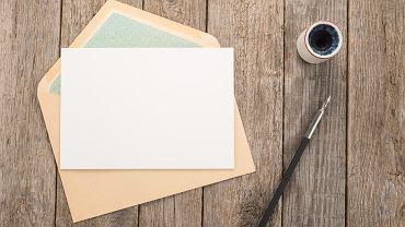 To, jak napisać list jest umiejętnością, którą dzieci nabywają w szkole podstawowej. Zdjęcie ilustracyjne