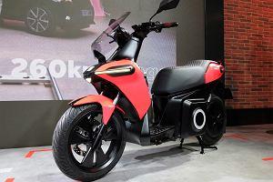 Seat prezentuje elektryczny motocykl miejski. Młodzi mniej chętnie kupują zwykłe auta