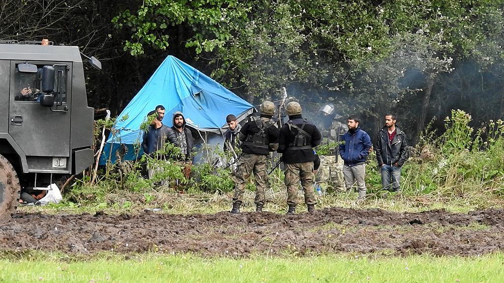 Obóz migrantów w okolicach Usnarza Górnego