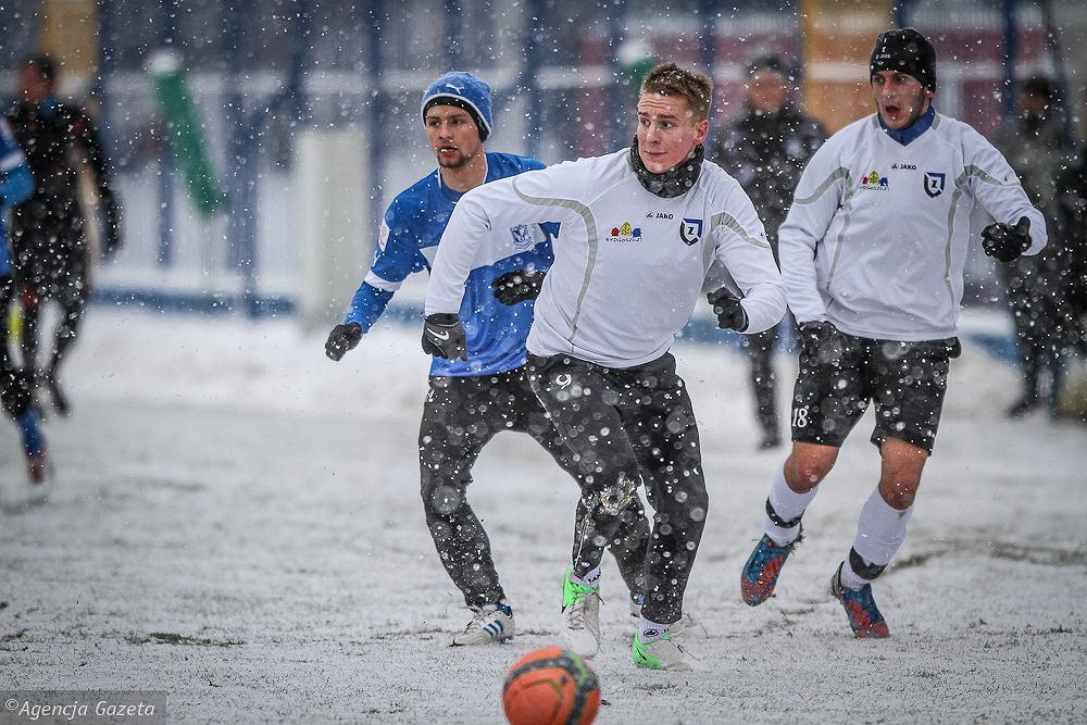 Sparing Lech Poznań - Zawisza Bydgoszcz 3:0. W niebieskiej koszulce Adam Gajda