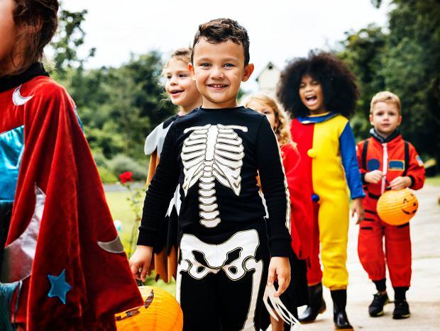 Strój na Halloween 2021 dla chłopca - pomysły na przebrania, które wykonasz samodzielnie