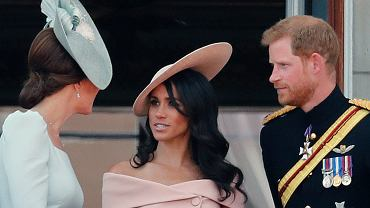 Trooping the Colour - dlaczego Meghan stała za Kate?