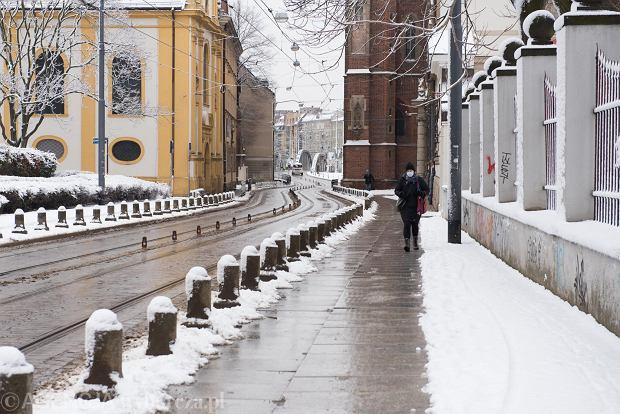 Zdjęcie numer 44 w galerii - Wrocław pod śniegiem. Zobacz zimowe zdjęcia z centrum miasta [FOTO]