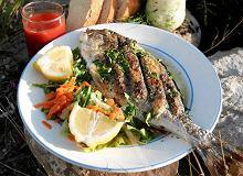 Ryba pieczona na kamieniu - ugotuj