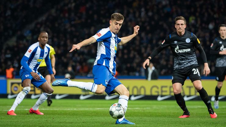 Piątek w meczu z Werderem grał jak z Holandią. Okazję miał jedną. Jego nowy konkurent strzelił gola