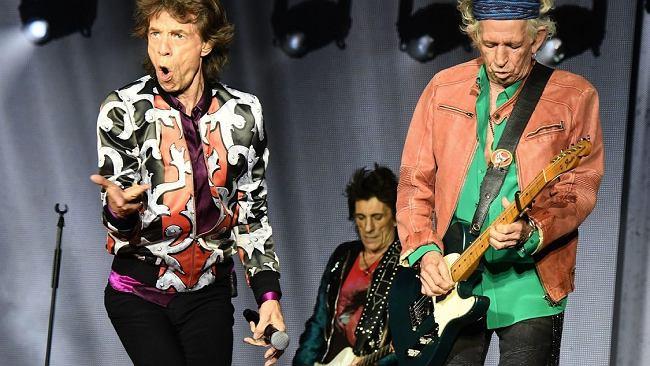 """Stonesi czy Beatlesi? To pytanie równie głupie jak """"Bach czy Beethoven?"""" Oto dowody"""