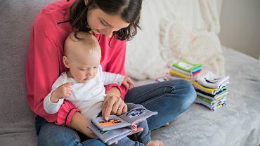 Książki dla niemowląt mają wielkie znaczenie dla prawidłowego rozwoju dziecka. Zdjęcie ilustracyjne