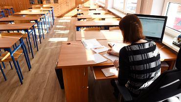 Różne wymogi nauczycieli na lekcjach online. 'Gdy ktoś nie włączy kamerki, to dostaje gorszą ocenę'