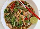 Wietnamska <strong>zupa</strong> <strong>Pho</strong> ze śliwkami kalifornijskimi, imbirem i cebulą dymką