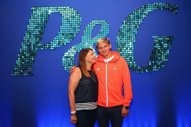 Radek Kawęcki z mamą Grażyną w Family Home P&G w Rio de Janeiro - ambasadorzy akcji