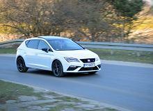Opinie Moto.pl: Seat Leon 1.5 TSI vs. Opel Astra 1.2 Turbo - porównanie. Dwie recepty na kompakt.