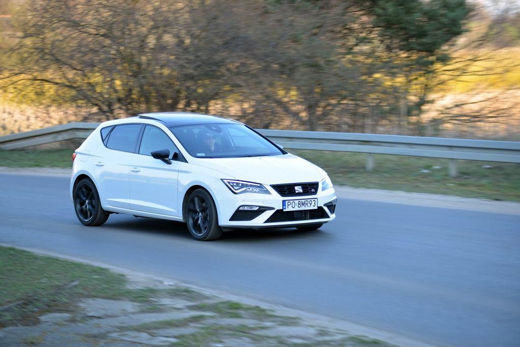Seat Leon 1.5 TSI vs. Opel Astra 1.2 Turbo