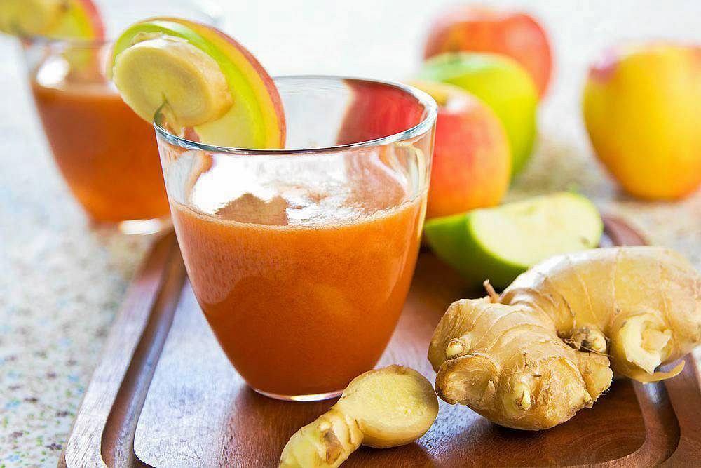 Sok marchewkowo-jabłkowy z imbirem