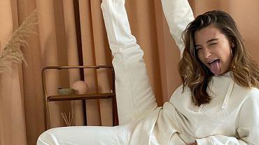 Julia Wieniawa w modnych butach, które uwielbiają kobiety. To model z popularnej sieciówki za mniej niż 130 zł (zdjęcie ilustracyjne)