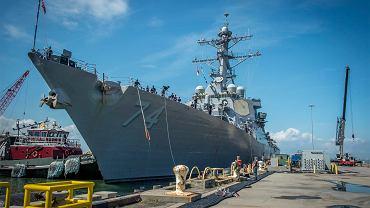 Niszczyciel US Navy w bazie Norfolk