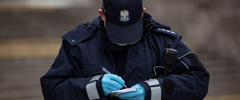 Policja sprawdza noszenie maseczek. 14 tys. osób już ukaranych mandatami