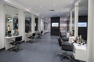Pierwszy sklep Rossmanna z... salonem fryzjerskim