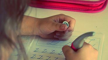 Odręczne pisanie - sztuka popadająca w niepamięć?