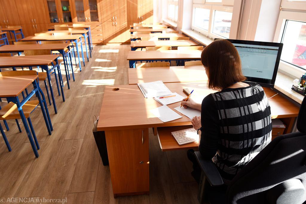 Nauczyciele dotkliwie odczują zmiany w szkołach. Zwolnienia mogą być masowe