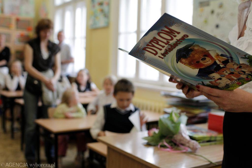 Koniec roku szkolnego 2020/2021. Życzenia i podziękowania dla nauczycieli (zdjęcie ilustracyjne)