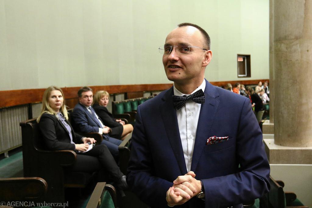Rzecznik praw dziecka Mikołaj Pawlak w Sejmie.