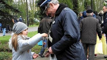 Ratujmy Płockie Powązki 2017. Kwestuje Hilary Januszczyk