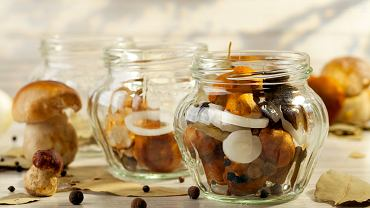 Dobra zalewa do grzybów w occie to połowa sukcesu - sprawdź, jak przygotować ją na kilka sposobów!