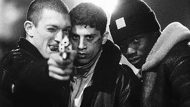 'Nienawiść', słynny film Mathieu Kassovitza o przyjaźni trzech wściekłych na życie chłopaków z przedmieść Paryża