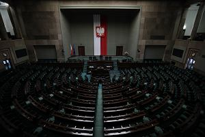 Pandemia bliska sparaliżowania demokracji parlamentarnych