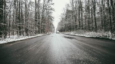 IMGW ostrzega przed oblodzeniem dróg