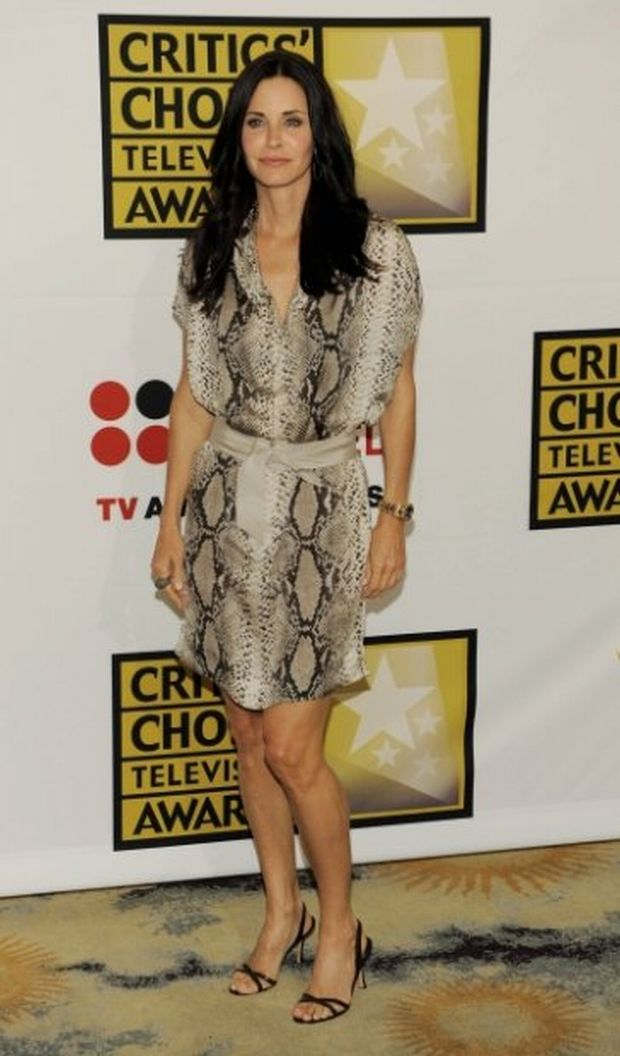 Actress Courteney Cox poses at the inaugural Critics' Choice Television Awards, Monday, June 20, 2011, in Beverly Hills, Calif. (AP Photo/Chris Pizzello)