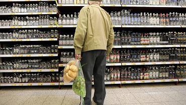 Polacy dość niechętnie przyznają się, że wódkę konsumują regularnie(fot. Grzegorz Skowronek / Agencja Gazeta)