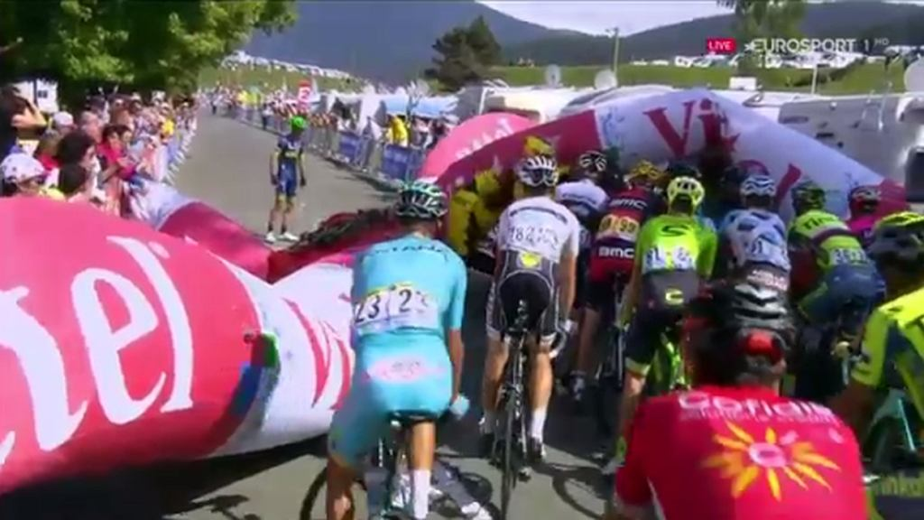 Reklamowy balon zatrzymał kolarzy w Tour de France