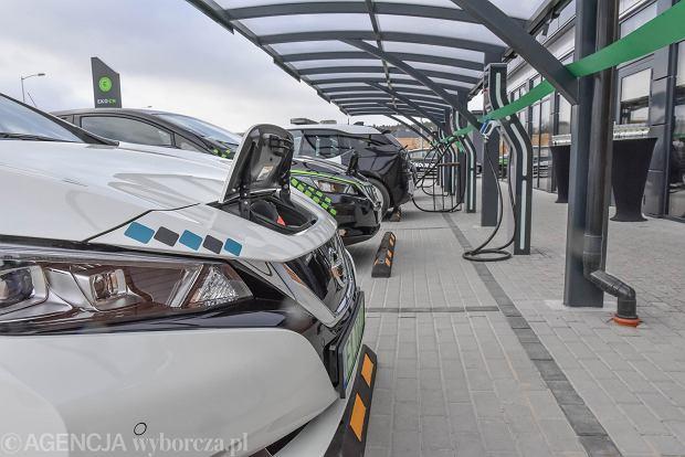 Spory wzrost rejestracji samochodów elektrycznych w 2020 roku. Wciąż jednak jest ich niewiele