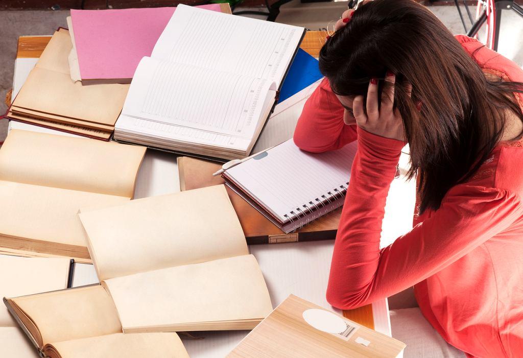 Wielu rodziców twierdzi, ze ich dzieci pracują znacznie za dużo.