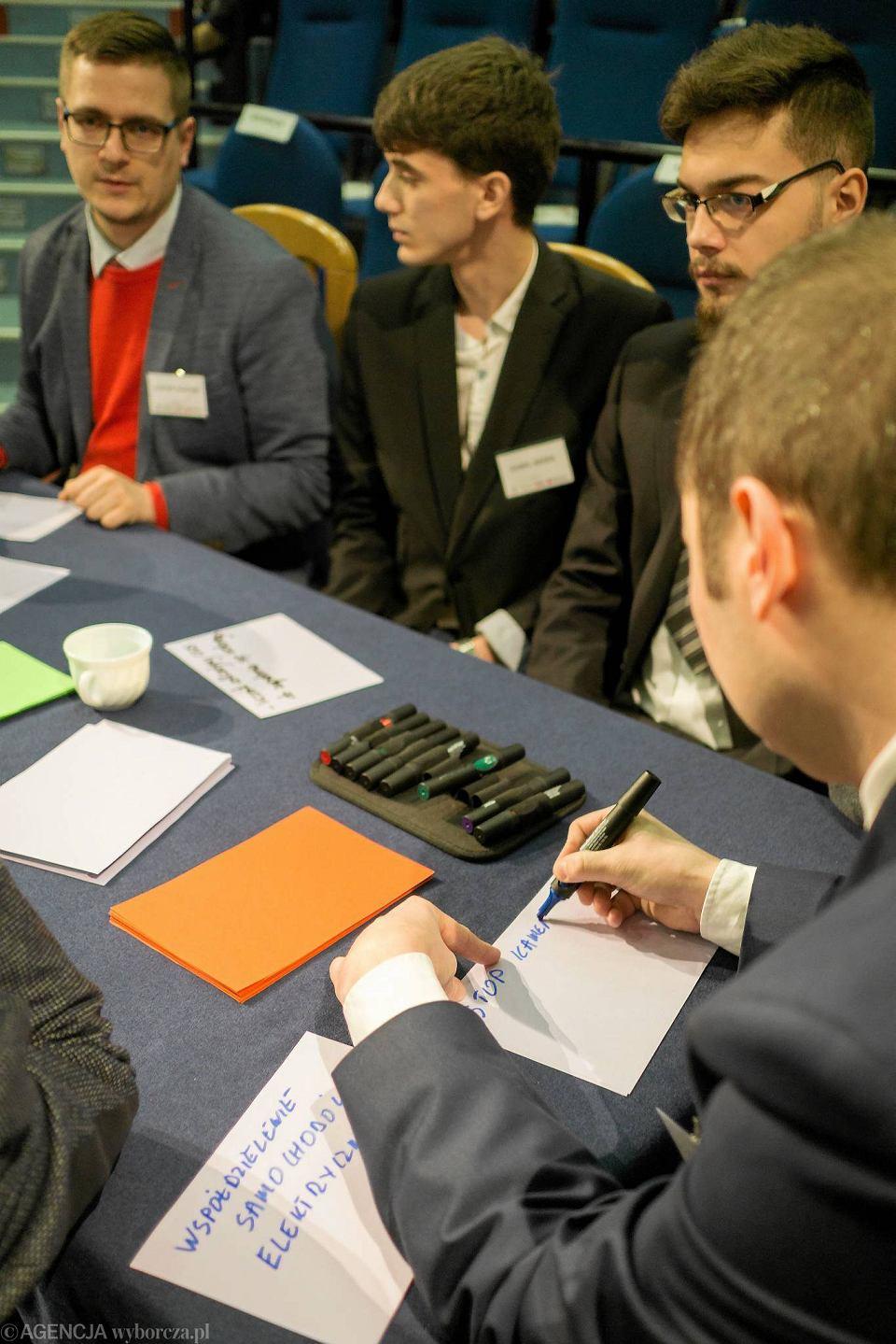'Wyborcza' wraz z Urzędem Miasta w Jaworznie zorganizowało kolejne spotkanie z cyklu Miasta Idei. Tym razem rozmawialiśmy o e-mobilności.