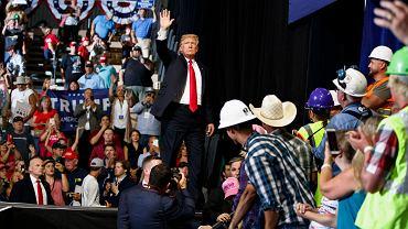 Na wiecu w Great Falls w Montanie Donald Trump powiedział, że Europejczycy 'zabijają nas handlem, zabijają nas NATO'.