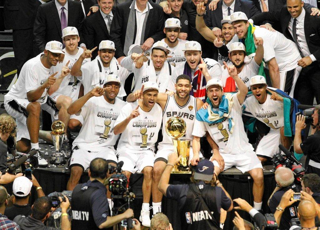 Mistrzowska drużyna san Antonio Spurs