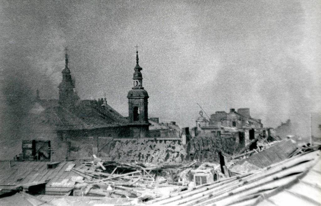 Zrujnowane budynki w Warszawie w 1945 roku